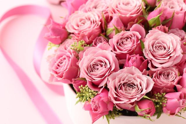 開業祝いのピンクの花