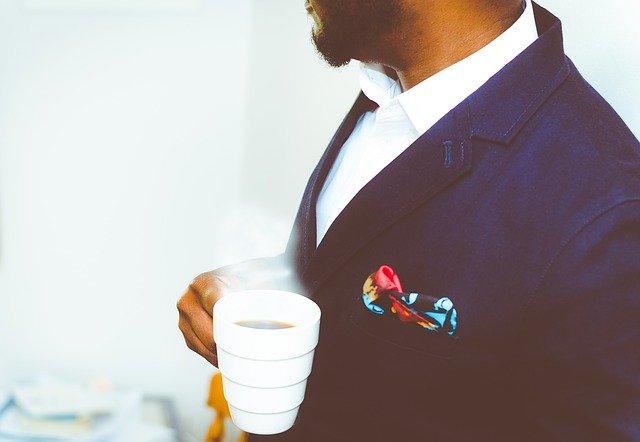 ビジネスシーンのお祝いに胡蝶蘭を贈る際のマナー